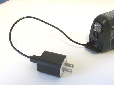 防災ラジオー外部電源から内臓電池充電
