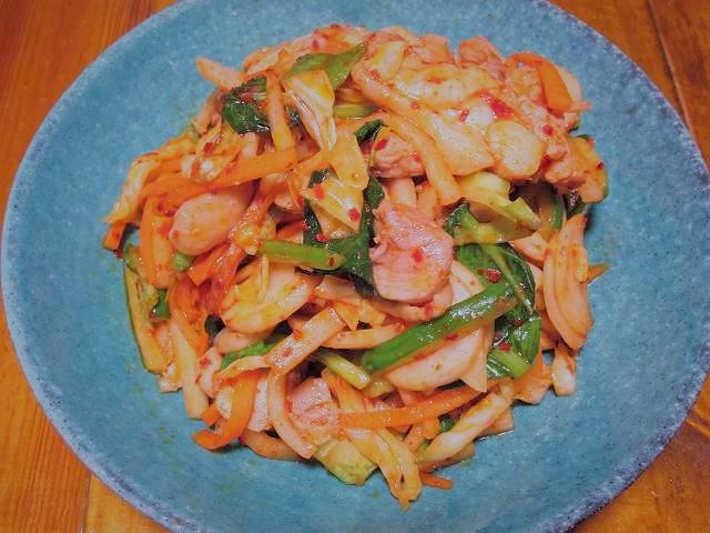 料理例2(鶏肉と切り漬けの辛炒め)